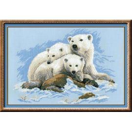 Вышивка крестиком Риолис Белые медведи, 60х40 см.
